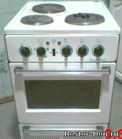 Продаю электро-плиту Лысьва, трехкомфорочную, раб. сост, ц. 800 руб.