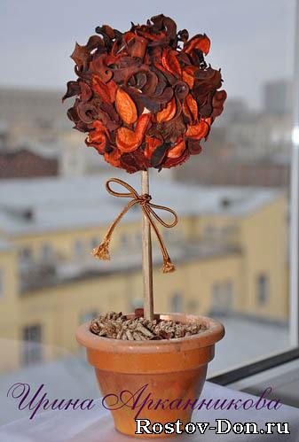 Дерево счастья из сухих роз